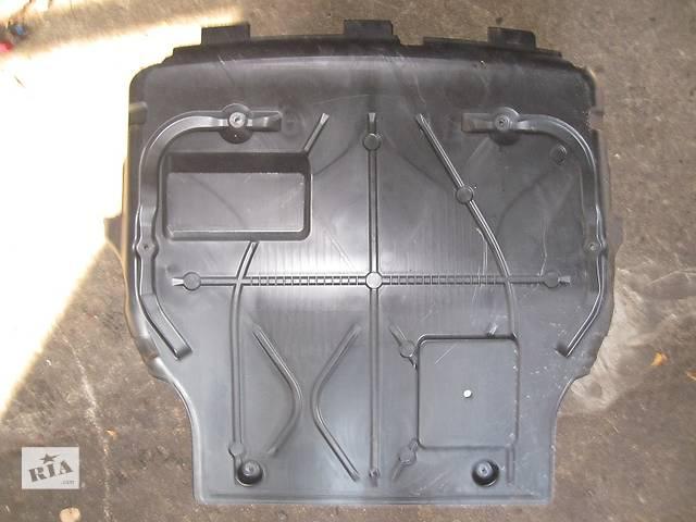 купить бу Б/у защита под двигатель для легкового авто Volkswagen T5 (Transporter) в Львове