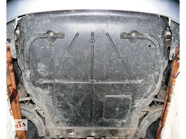 купить бу Б/у защита под двигатель Volkswagen T5 в Ровно