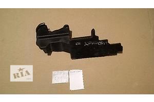 б/у Кронштейн крепления радиатора Lexus ES