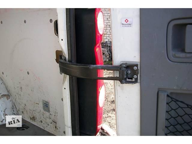 купить бу Б/у Завіси 180град. петля двери для Volkswagen Crafter Фольксваген Крафтер 2.5 TDI 2006-2010 в Рожище