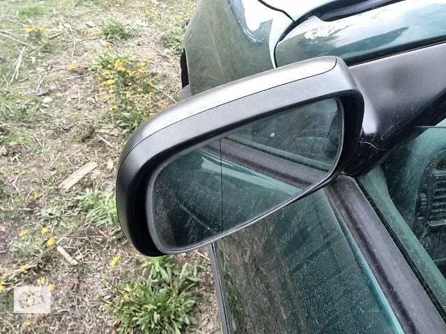 купить бу Б/у зеркало левое  87906-05020  для седана Toyota Avensis 1999г в Киеве