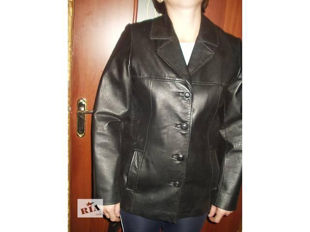 продам Б.у Женская кожаная куртка черного цвета , размер 42 - плечи , хорошее состояние , доставка по всей Украине . бу в Тернополе