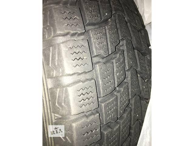купить бу Б/у Зимние шины (4 колеса) для легкового авто 225/65/R17 101Q (стояли на RAV4 2007) в Одессе