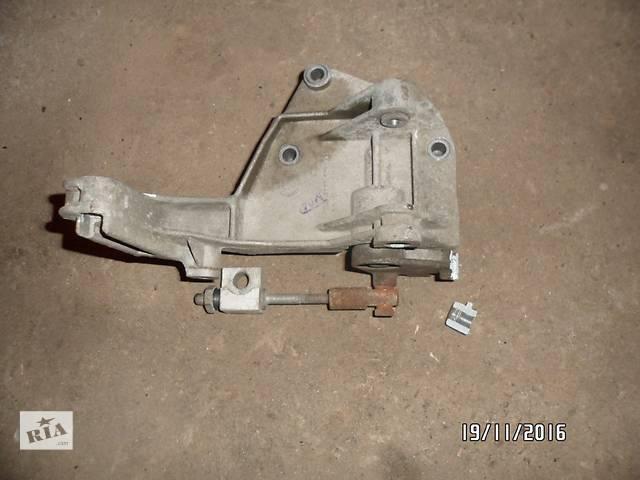 """бу Б/уКронштейн генератора для легкового авто ВАЗ 1118""""КАЛИНА"""",ВАЗ 1119,ВАЗ 1117 в Умани"""