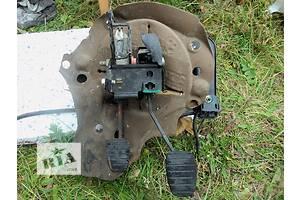 б/у Педаль сцепления Renault Kangoo