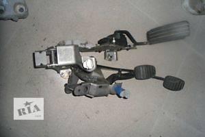 б/у Педали сцепления Opel Vivaro груз.
