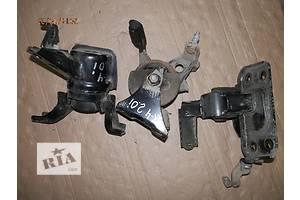 б/у Подушка АКПП/КПП Toyota Rav 4