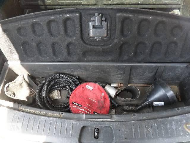 купить бу б/у багажник и компоненты Пласник с тумбами багажника Легковой Chevrolet Captiva 2007 в Киеве