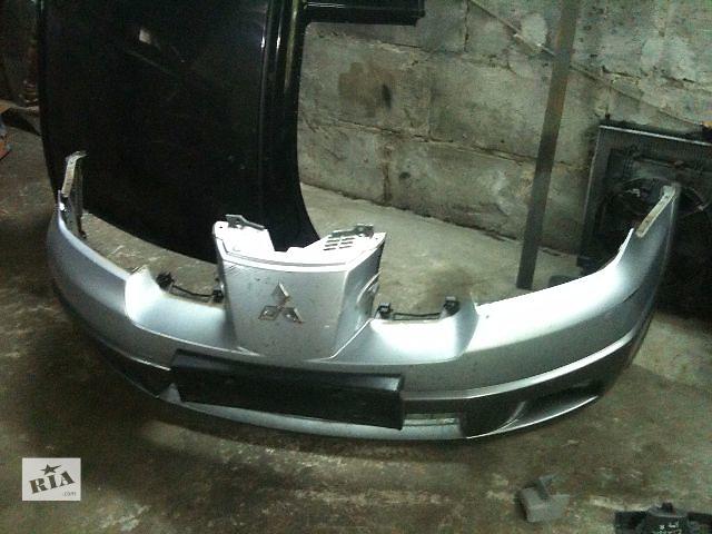 купить бу Б/у бампер передний для универсала Mitsubishi Outlander 2006 в Ровно