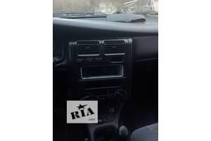 б/у Блок кнопок в торпеду Toyota Carina