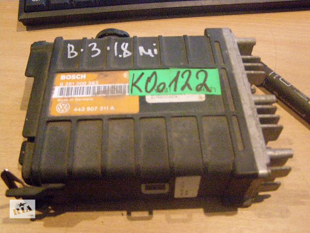 купить бу Б/у блок управления двигателем для легкового авто Volkswagen Passat B3 1.8 mi 0261200263 443907311A в Таврийске