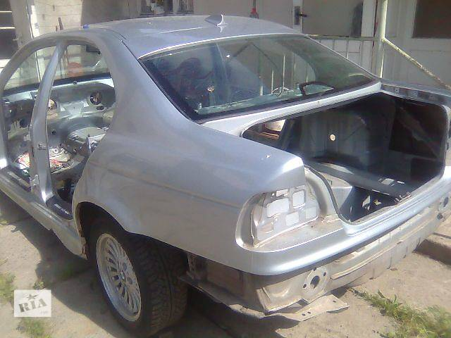 купить бу б/у Деталі кузова Крило переднє Легковий BMW 523 2002 в Ужгороде