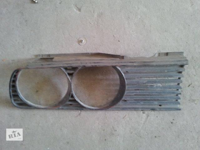 б/у Детали кузова Решетка радиатора Легковой BMW 318- объявление о продаже  в Ужгороде