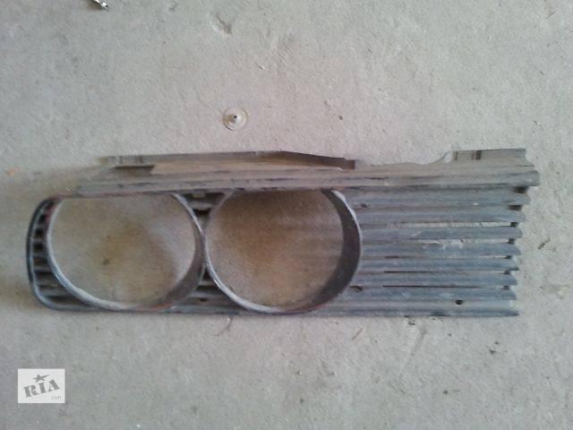 купить бу б/у Деталі кузова Решітка радіатора Легковий BMW 3 Series Universal в Ужгороде