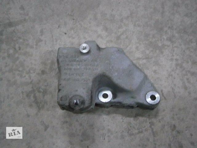 бу б/у Детали двигателя Кронштейн Легковой Skoda SuperB New 2010 в Луцке