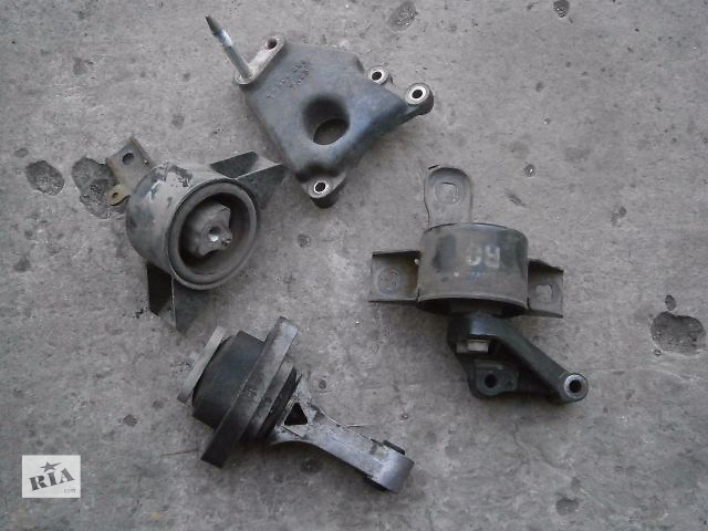 бу б/у Детали двигателя Подушка мотора Легковое авто Седан Chevrolet Aveo в Луцке