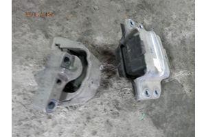 б/у Подушки мотора Volkswagen Passat B6