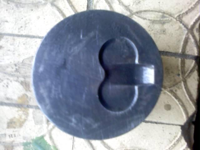 купить бу Б/у Детали двигателя Поршень Легковой Renault Kangoo пасс. 2008 в Ахтырке