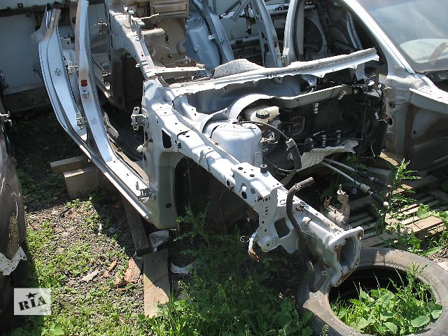 купить бу б/у Детали кузова Четверть автомобиля Легковое авто Mazda 3 Hatchback 2006 в Луцке
