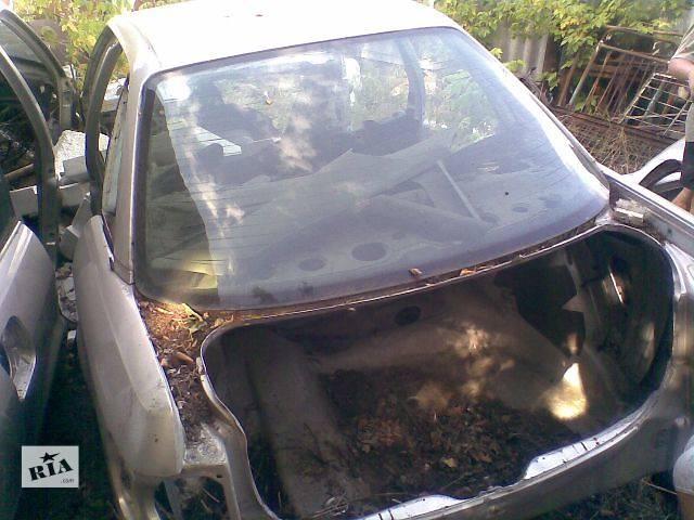 продам б/у Детали кузова Днище багажника Легковой Audi 80 1990 бу в Харькове