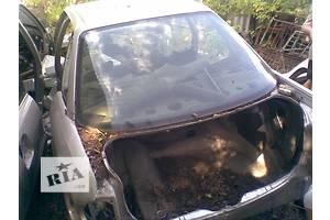 б/у Днища багажника Audi 90