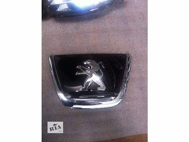 купить бу б/у Детали кузова Эмблема Легковой Peugeot 308 в Львове