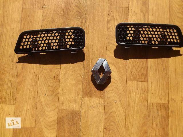 купить бу б/у Детали кузова Эмблема Легковой Renault Scenic Хэтчбек 2000 в Львове