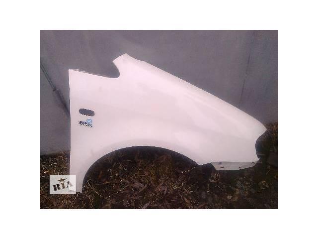 продам б/у Детали кузова Крыло переднее Легковой Volkswagen Caddy 2006 бу в Житомире