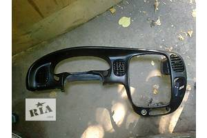 б/у Накладки передней панели Hyundai H1 груз.
