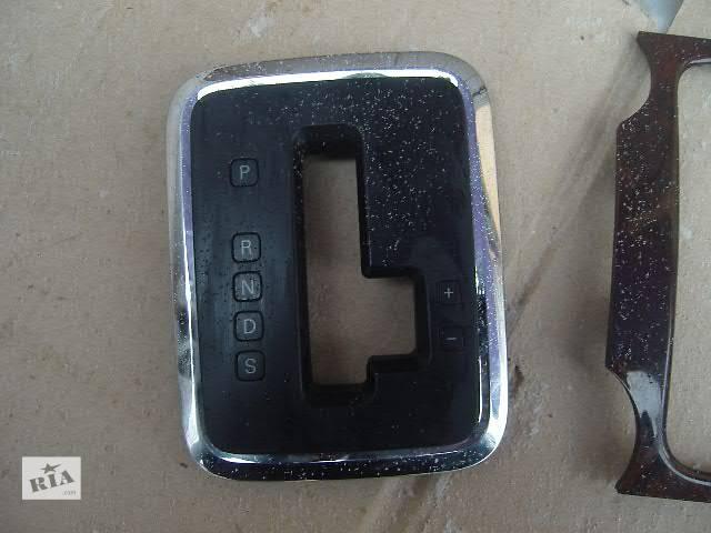 продам б/у Детали кузова Накладка передней панели Легковой Volkswagen Touareg бу в Виннице