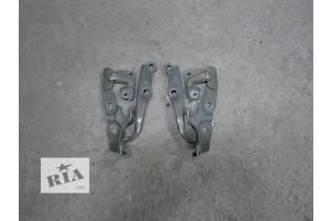 б/у Петли капота Toyota Camry