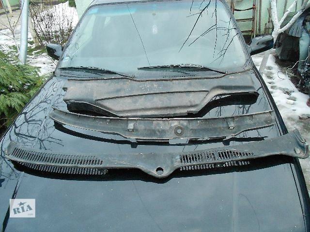 продам Б/у Детали кузова Пластик под лобовое стекло Легковой Audi A6 1995 бу в Чопе