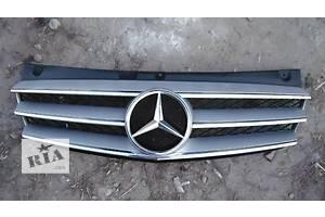 б/у Решётка радиатора Mercedes Viano груз.