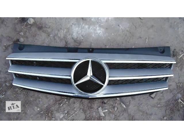 бу б/у Детали кузова Решётка радиатора Легковой Mercedes Viano 2013 в Ковеле