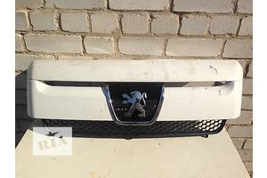 б/у Решётка радиатора Peugeot Expert груз.