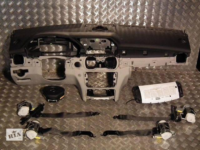 продам б/у Детали кузова Торпедо/накладка Легковой Mercedes C-Class w204 бу в Киеве