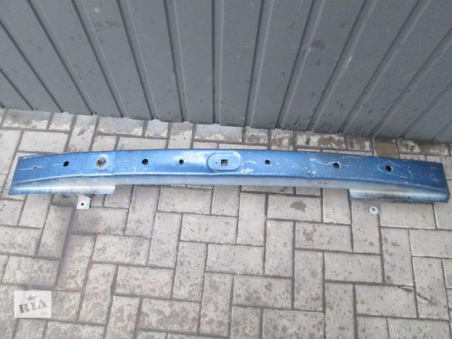 купить бу б/у Детали кузова Усилитель заднего/переднего бампера Легковой Opel Vivaro 2005 в Тернополе