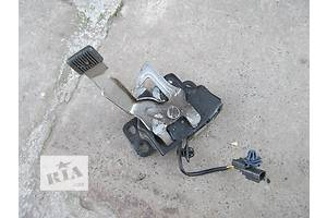 б/у Замок капота Honda CR-V