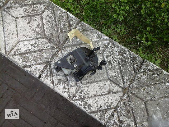продам б/у Детали кузова Замок капота Легковой Skoda Octavia A5 бу в Жовкве
