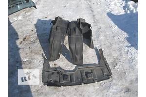 б/у Защиты под двигатель Mitsubishi Colt