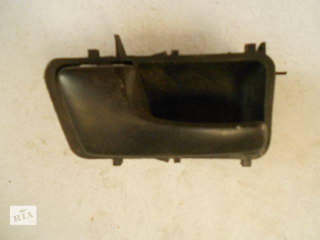 бу Б/у Двері/багажник і компоненти Ручка дверей Легковий Volkswagen Passat 1991 в Чопе