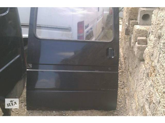 бу Дверь боковая сдвижная в сборе  Форд Транзит 2,5 Д с 1986-2000 гг в хорошем состоянии в Виннице