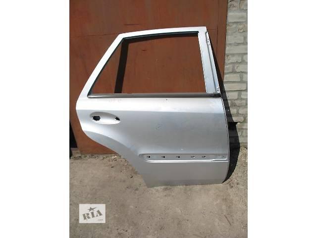 купить бу б/у Двери/багажник и компоненты Дверь задняя Легковой Mercedes ML-Class 2007 в Луцке