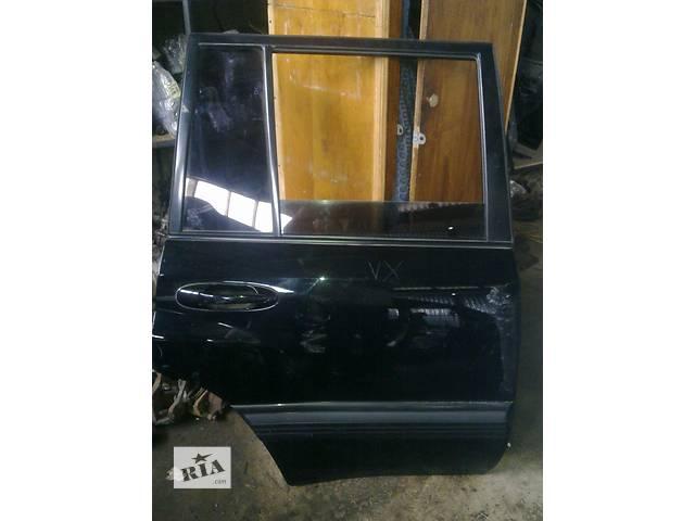 купить бу Б/у Двери/багажник и компоненты Дверь задняя Легковой Toyota Land Cruiser 100 2006г в Луцке