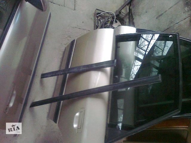 бу б/у Двери/багажник и компоненты Молдинг двери Легковой Audi 100 в Чопе