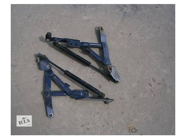 продам б/у Двери/багажник и компоненты Петля крышки багажника Легковой Mitsubishi Lancer X бу в Луцке