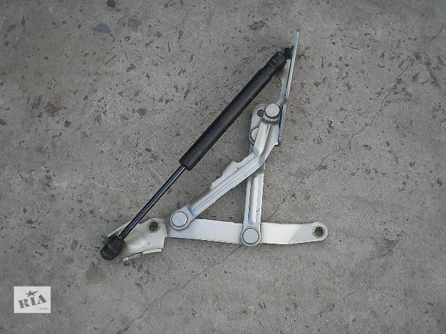 купить бу б/у  Петля крышки багажника Легковой Mitsubishi Lancer X Седан 2007 левая в Ровно