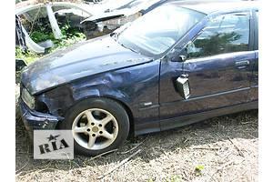 б/у Стекла двери BMW 316