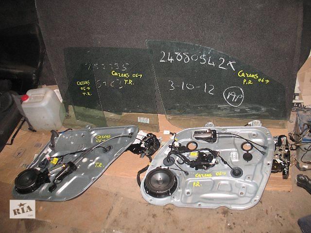 бу б/у Двери/багажник и компоненты Стекло двери Легковой Kia Carens 2007 в Луцке