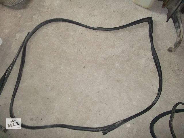 продам б/у Двери/багажник и компоненты Уплотнитель двери Легковой Mercedes E-Class Седан 2005 бу в Днепре (Днепропетровск)